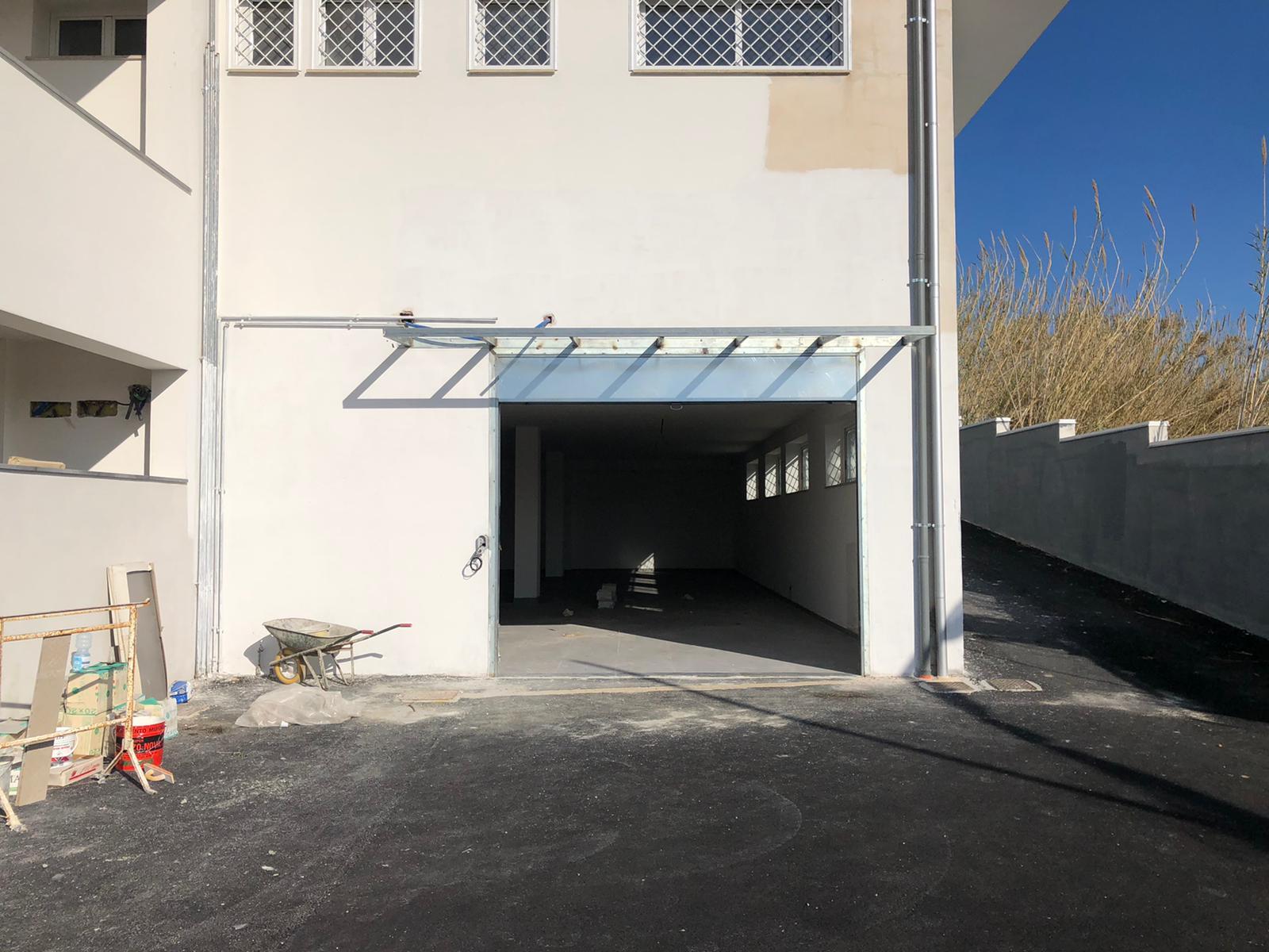 LOCALE COMMERCIALE Varcaturo Centro Rif 35942