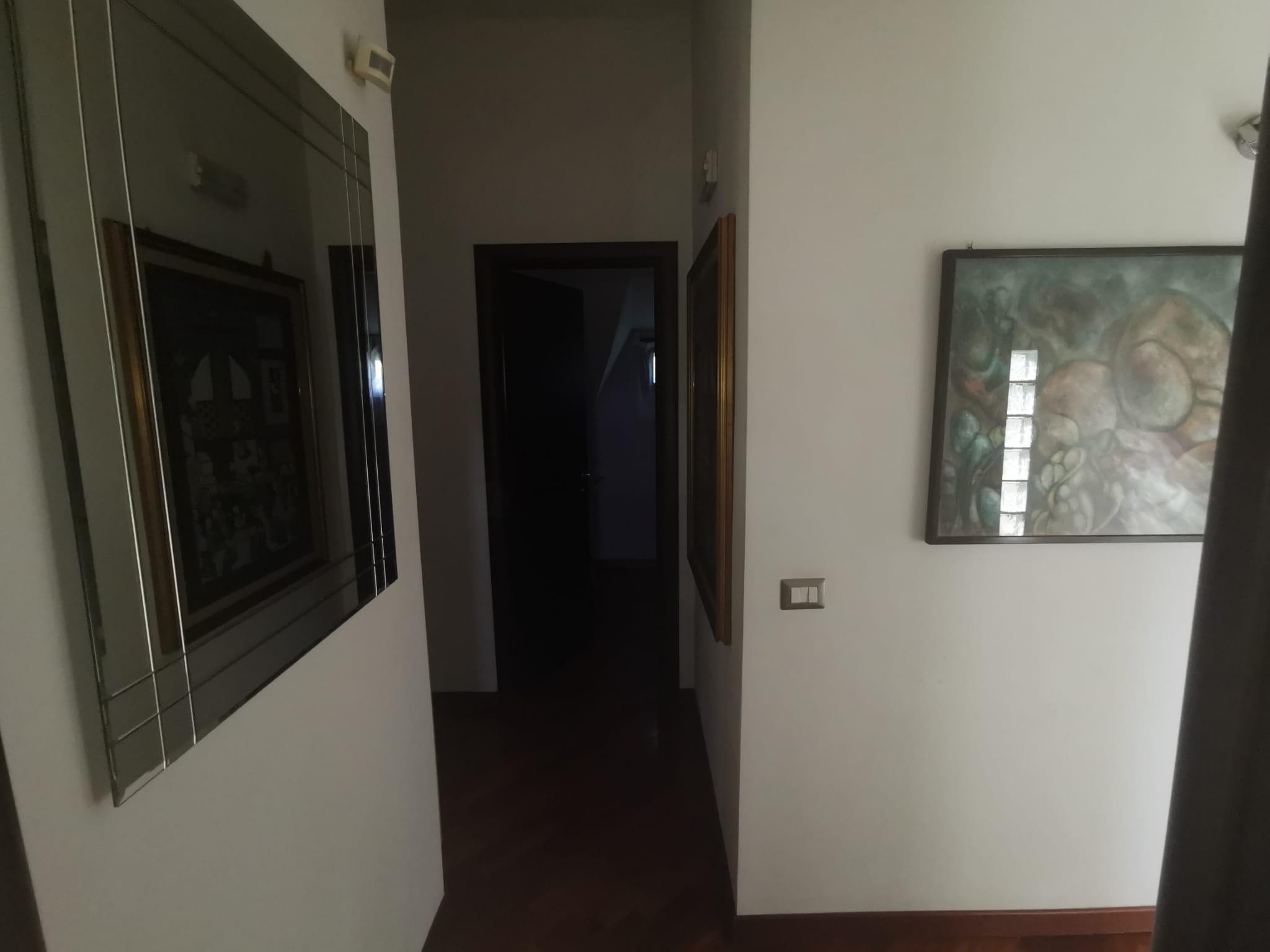 VILLA 3 LIVELLI Varcaturo-Viale dei Pini Nord Rif 36712