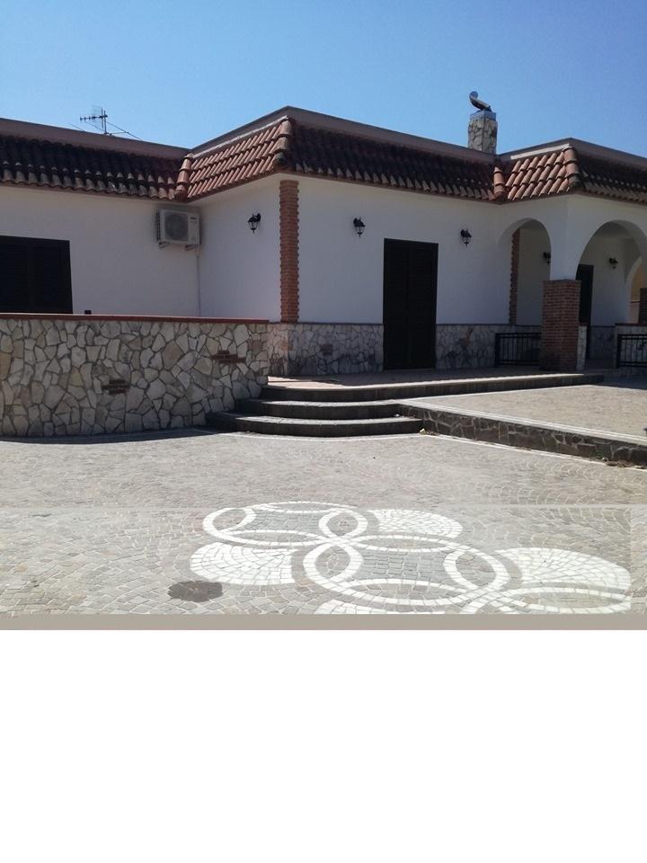 VILLA SINGOLA MONOLIVELLO USO INVESTIMENTO Castel Volturno