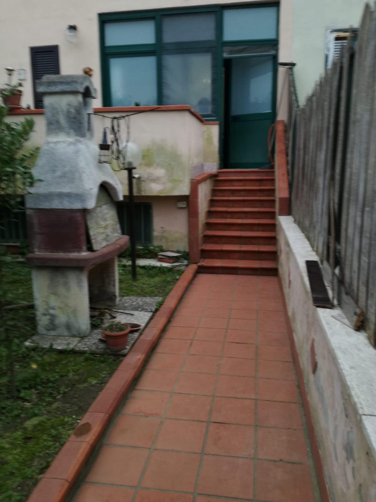 VILLA A SCHIERA Varcaturo Centro