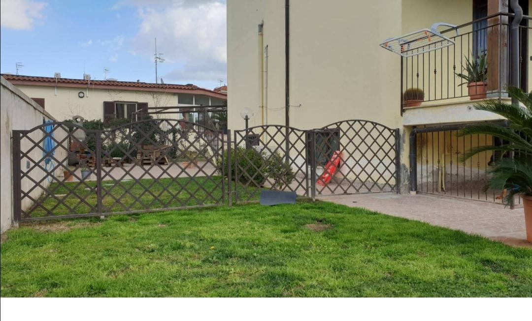 VILLA RISTRUTTURATA Varcaturo Centro-Parco Noce