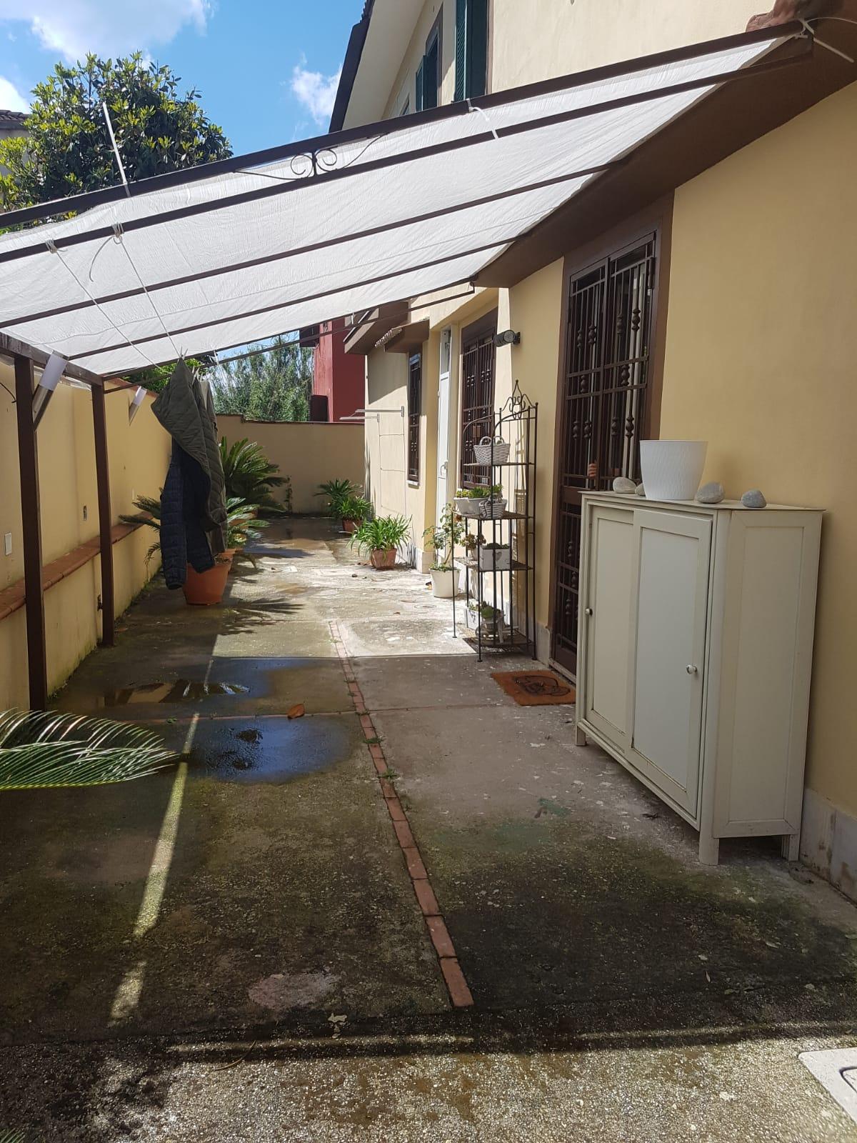 APPARTAMENTO RISTRUTTURATO CON GIARDINO Lago Patria Centro