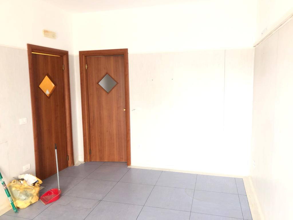 UFFICIO 80 MQ Varcaturo Centro Rif 37038