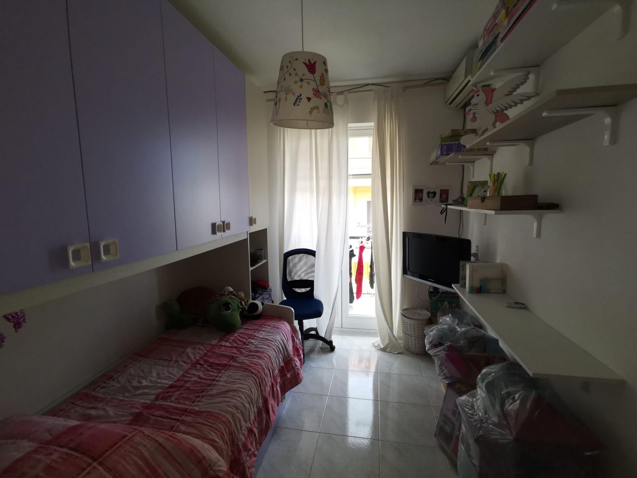VILLA A SCHIERA IN PARCO Varcaturo-Tangenziale