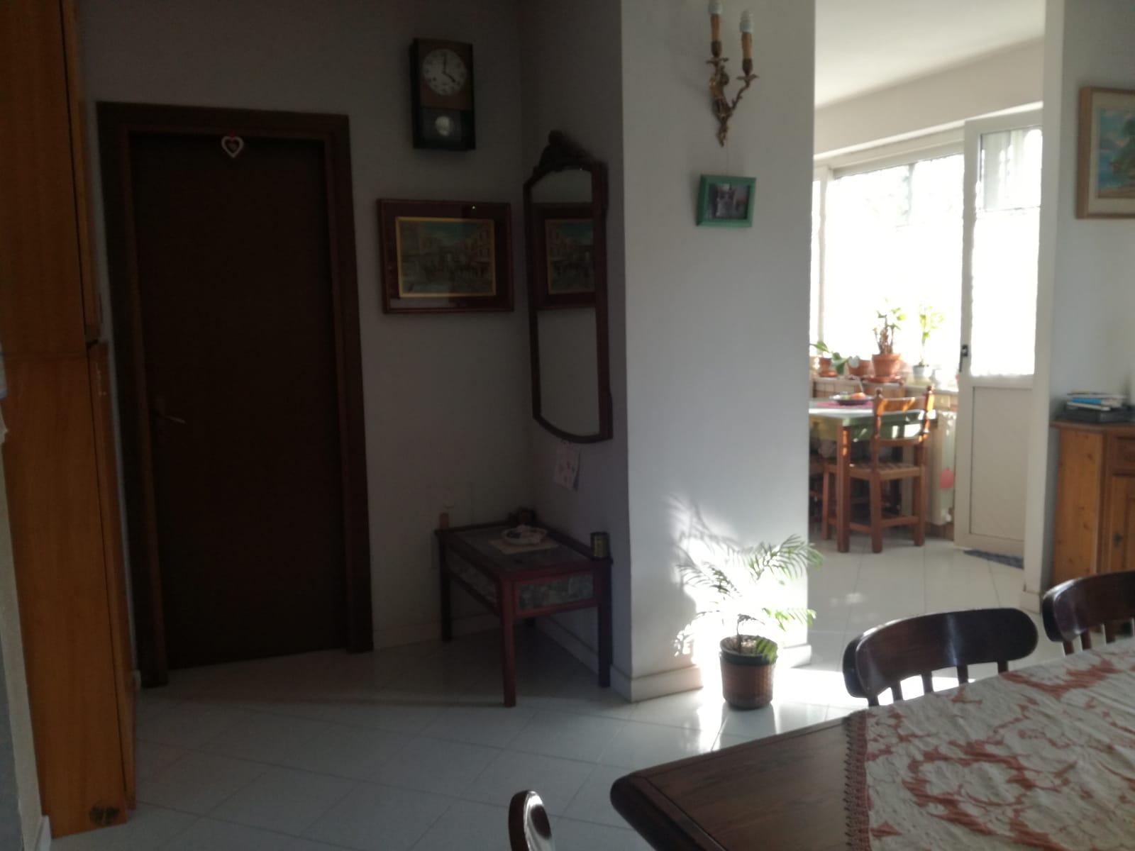 VILLA 2 LIVELLI+GARAGE IN PARCO Licola Rif 35222