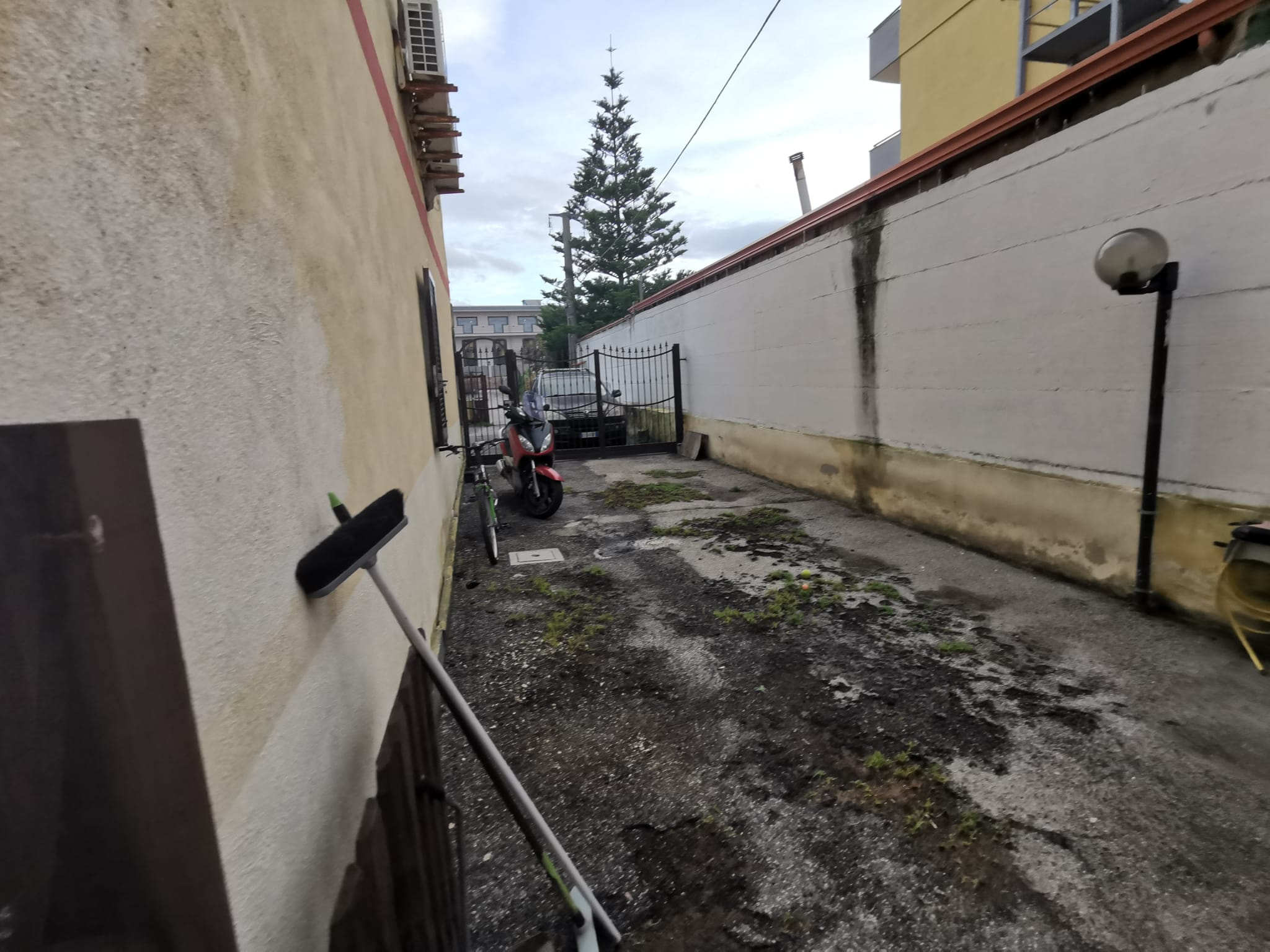 APPARTAMENTO CON GIARDINO IN PARCO Varcaturo Centro Rif 37202