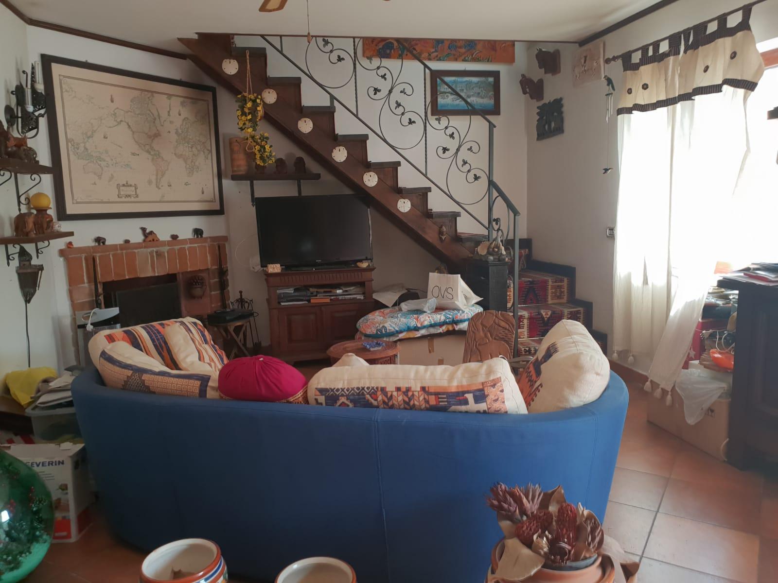 VILLA PER 2 NUCLEI FAMILIARI Varcaturo-Viale dei Pini