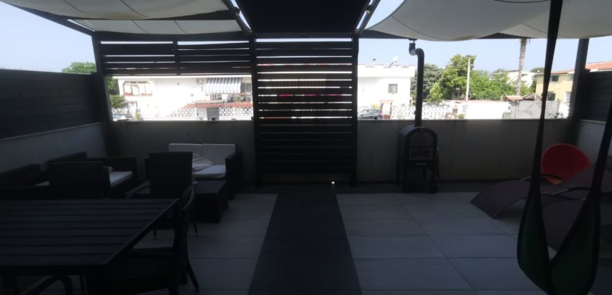 VILLA 2 LIVELLI+TAVERNA IN PARCO Varcaturo-Tangenziale Rif 37561
