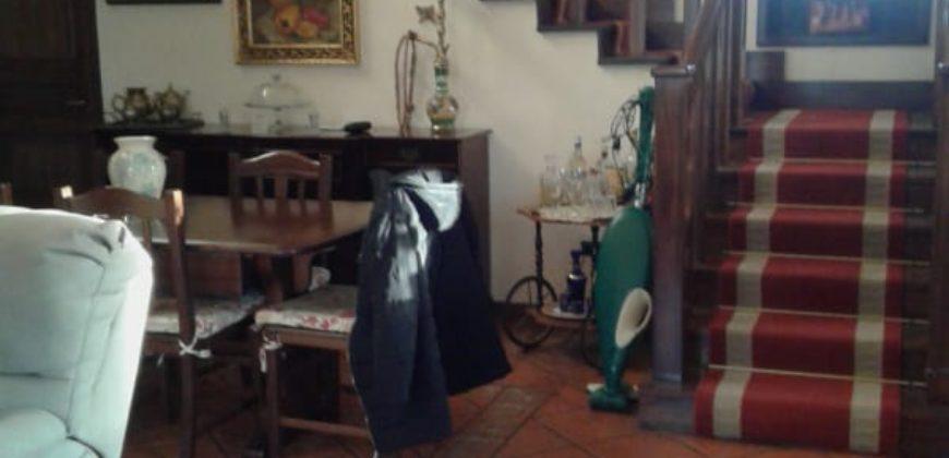 VILLA 2 LIVELLI+GARAGE Varcaturo-Viale dei Pini Rif 32399