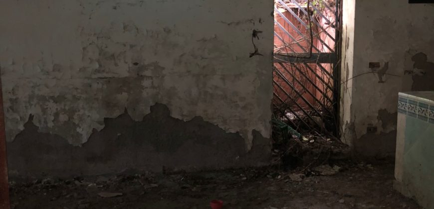 VILLA TOTALMENTE DA RISTRUTTURARE Varcaturo-Parco G.B. Ville