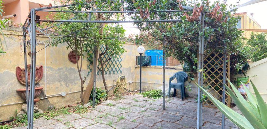APPARTAMENTO CON GIARDINO IN PARCO Varcaturo Rif 37502